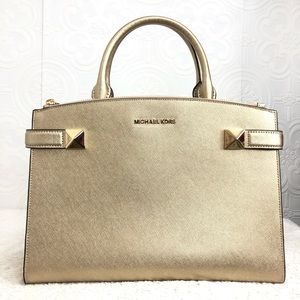 🌸OFFERS?🌸 Michael Kors Leather Gold Satchel